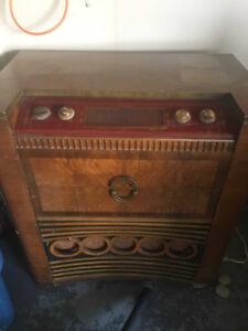 Viking Radio / Turntable For Sale
