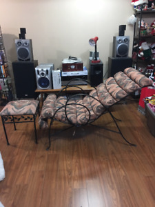COMFY CHAISE FOR SALE