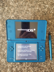Nintendo DS XL Blue