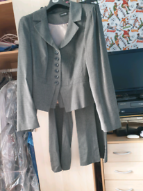Ladies black white check trousers suit size 20