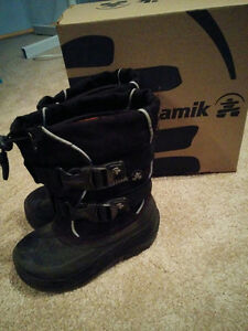 Great condition - Size 8 Winter Boots - Weather Rated - Kamik