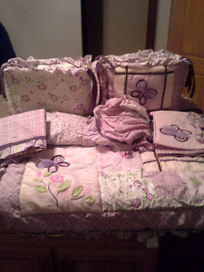 Girl crib bedding set