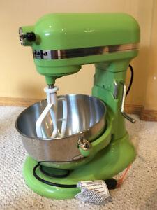 Kitchen Aid Mixer, Blender & Food Processor