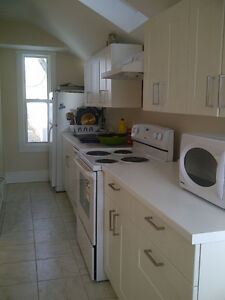 Furnished room - Ideal for Graduate student (female)
