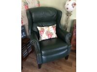 Chesterfield style recliner
