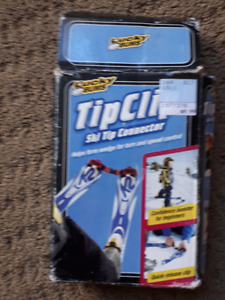 DOWN HILL SKIING KIDS TIP CLIP