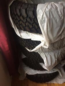 BF Goodrich Mud Terrain Tires /(5)/ Pneus