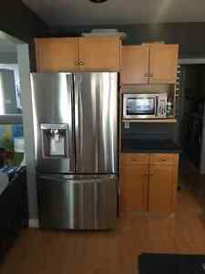 Maple Kitchen Cabinets for sale Sarnia Sarnia Area image 2