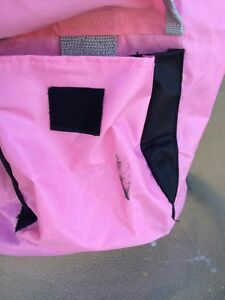 Roots shoulder bag pink grey and white zipper London Ontario image 3