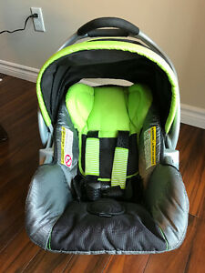 Baby trend infant carseat and base