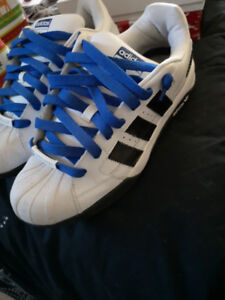 Men's size 9.5 Adidas sneakers