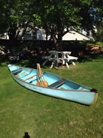 16'Quicksilver Fibreglass Canoe