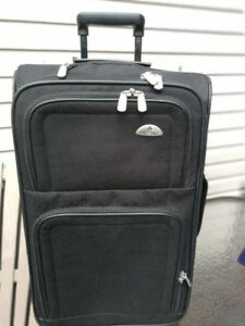 a vendre valises cabine carry-on / medium used 10$ telquel