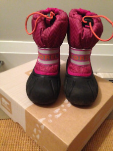 Girls Sorel Winter Boots Size 11 in Great Condition