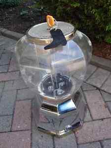 Gum ball machine, London Ontario image 3