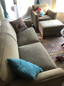Couch- Excellent Condition!