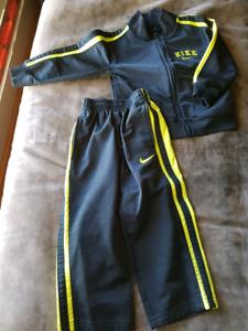Boys Size 2 - NIKE Track suit