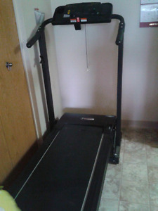 Folding treadmill with heart rate