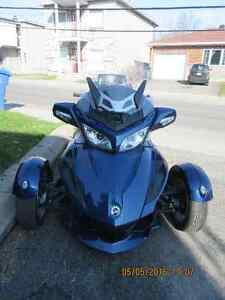 Moto Can-Am Spyder RT