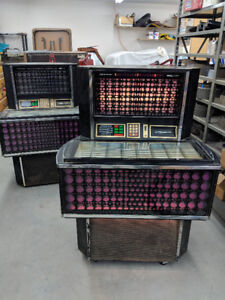 Jukeboxes !  2 for 1 !