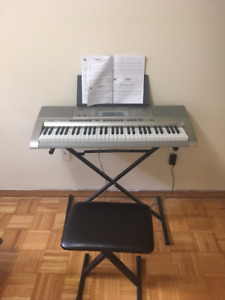 Casio LK-270 keyboard w/stand and chair, excellent condition