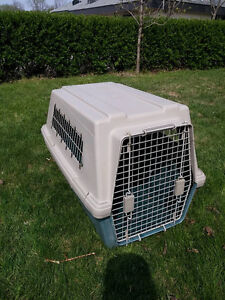 Large Dog Kennel in great condition