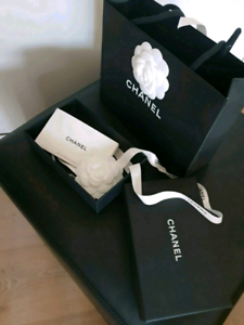 DESIGNER RETAIL BOXES & SHOPPING BAGS...PACKAGING ONLY