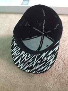 "DC black zebra 210 Fitted 6 7/8 - 7 1/4 "" hat $7 (new) Cambridge Kitchener Area image 2"