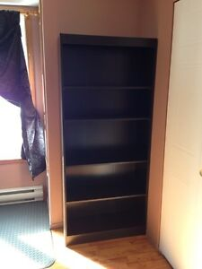 5 shelf bookcase. Like New!