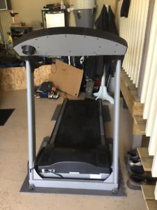 Freespirit treadmill 122 300800