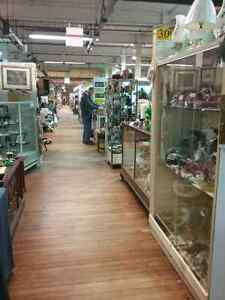 Shop Canada's largest antique mall 600 booths to browse  Stratford Kitchener Area image 9