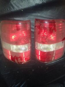 2005 Ford F150 XLT Tail lights