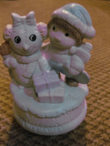 MUSICAL ROTATING CHILD AND SNOWMAN