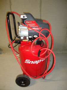 Snap-on 15 Gallon Air Compressor for sale very new!!!