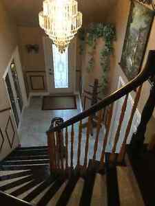 EXQUISITE HOME IN FARLINGERS POINT Cornwall Ontario image 2