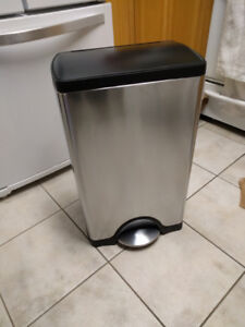 Simplehuman Stainless Steel Large 40L  Step Trash Can like new