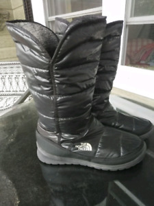 THE NORTH FACE ™ LIGHTWEIGHT BOOTS