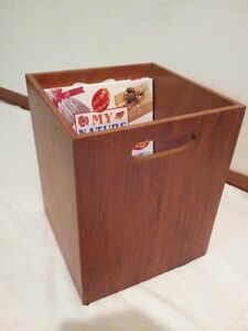 TEAK MAGAZINE BOX