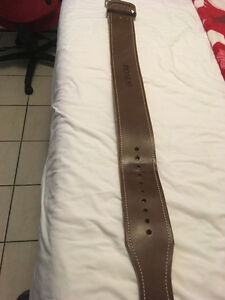 Rogue Ohio Leather Weightlifting Belt