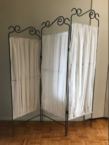 Selling pretty room dividers (x2)