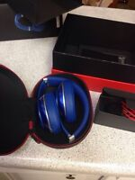 Beats By Dr Dre Studio on Ear ( new in box ) want to go