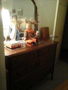 antique 4 drawer mirror dresser