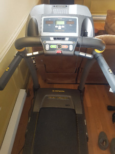 Like-new Horizon Treadmill for sale
