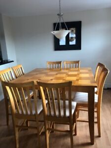 Table and Chair Set (Counter / Bar Height)