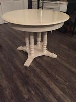 Roxton Dining Table