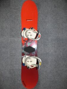 Burton Punch 128 Snowboard with Burton Freestyle Bindings - Kids