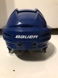 Casque Bauer anti-commotions