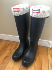 357227752c8e Hunter Boots and Socks Size 8 (women) for sale