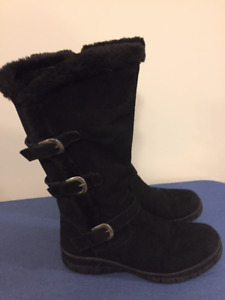 Ladies Winter Boots, size 8