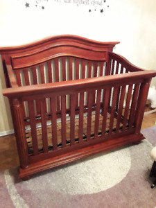 Beautiful Baby Cache Solid Wood Crib (chestnut colour)